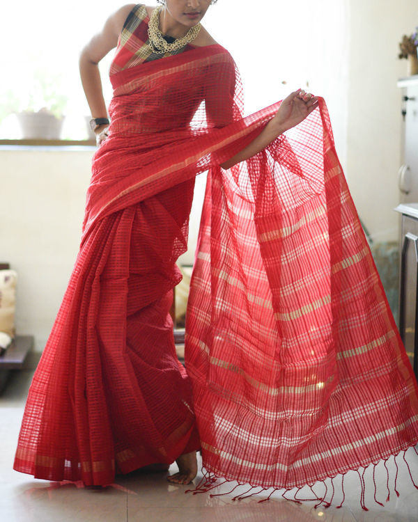 Handloom scarlet sari