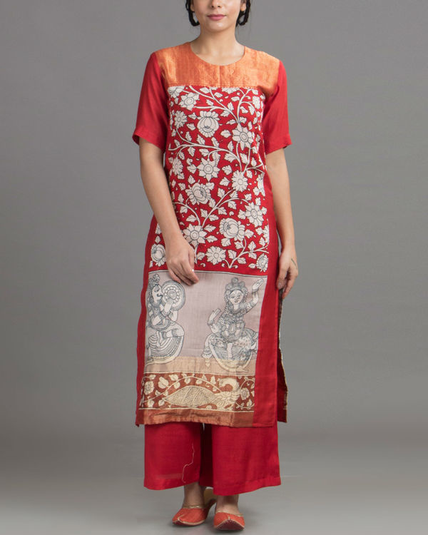 Mural print red tunic