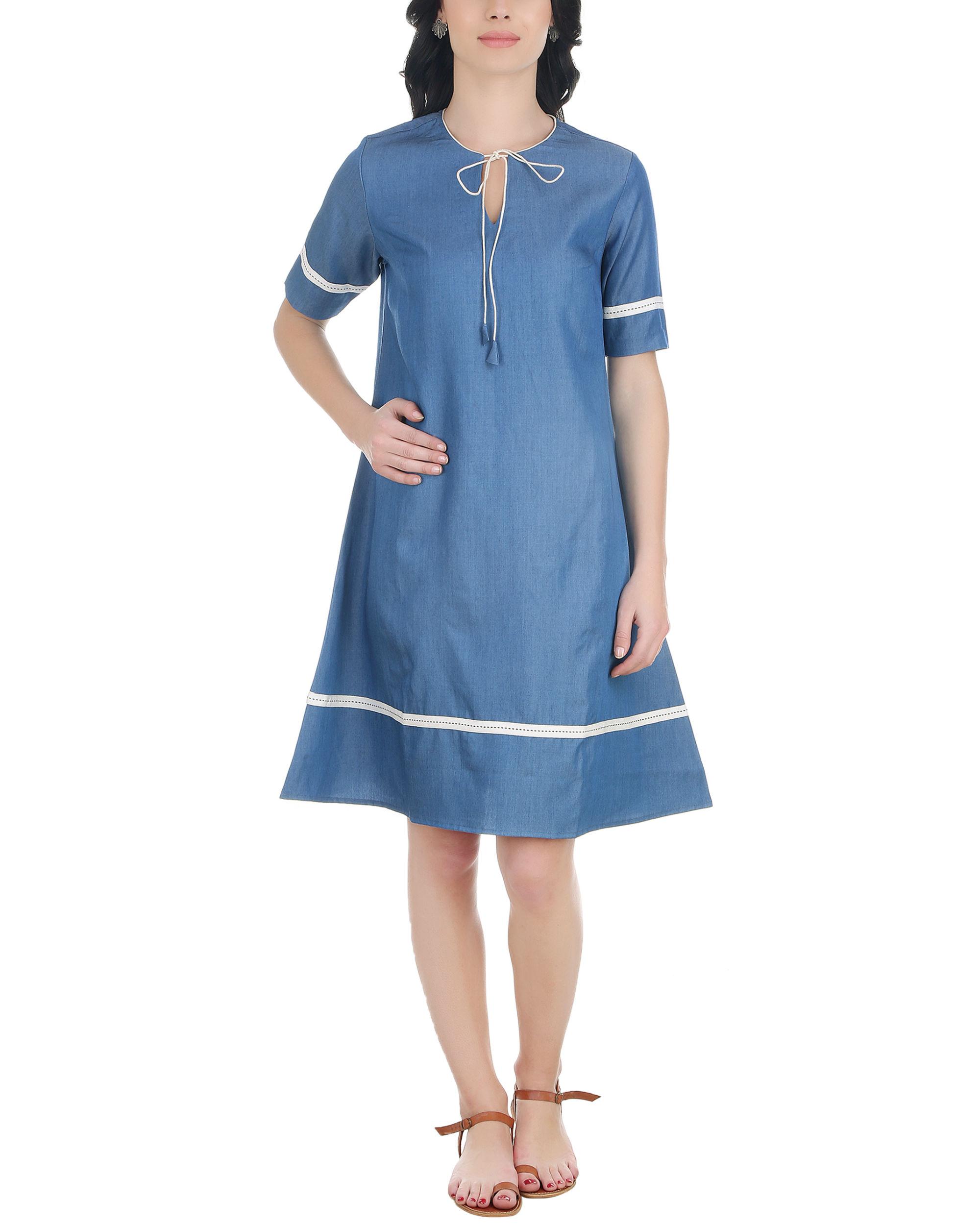 A line neck tassel dress