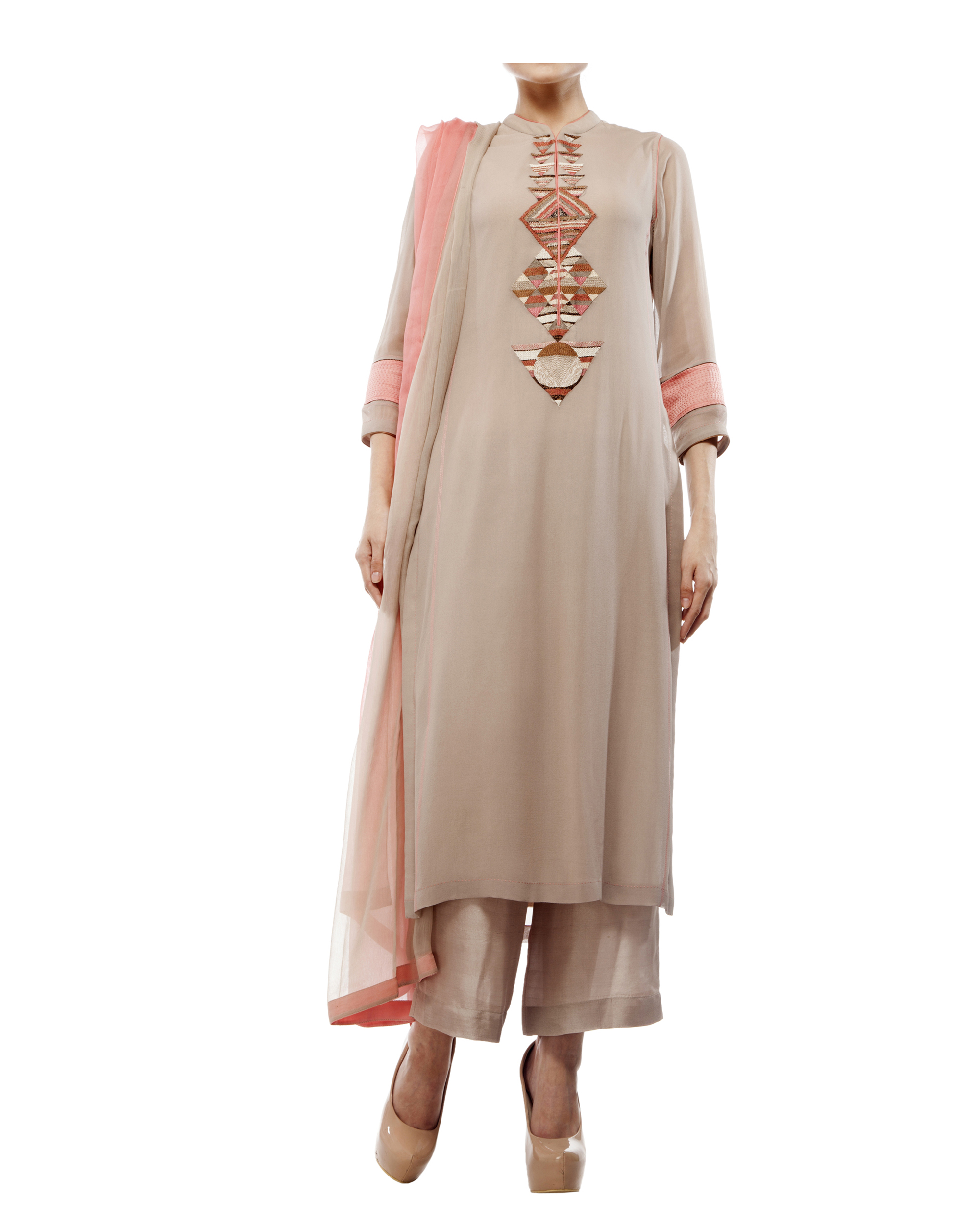 Kurta with front embroidered placket, comes with palazzos chiffon dupatta