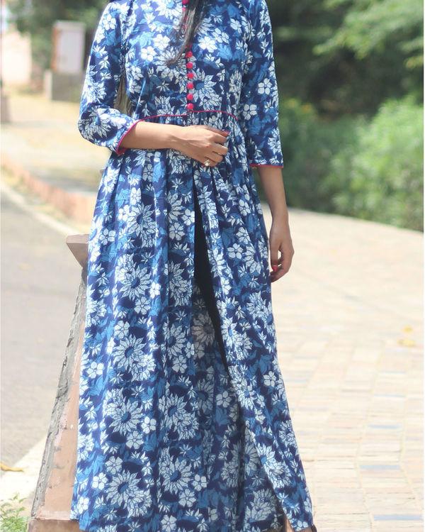 Indigo floral cape