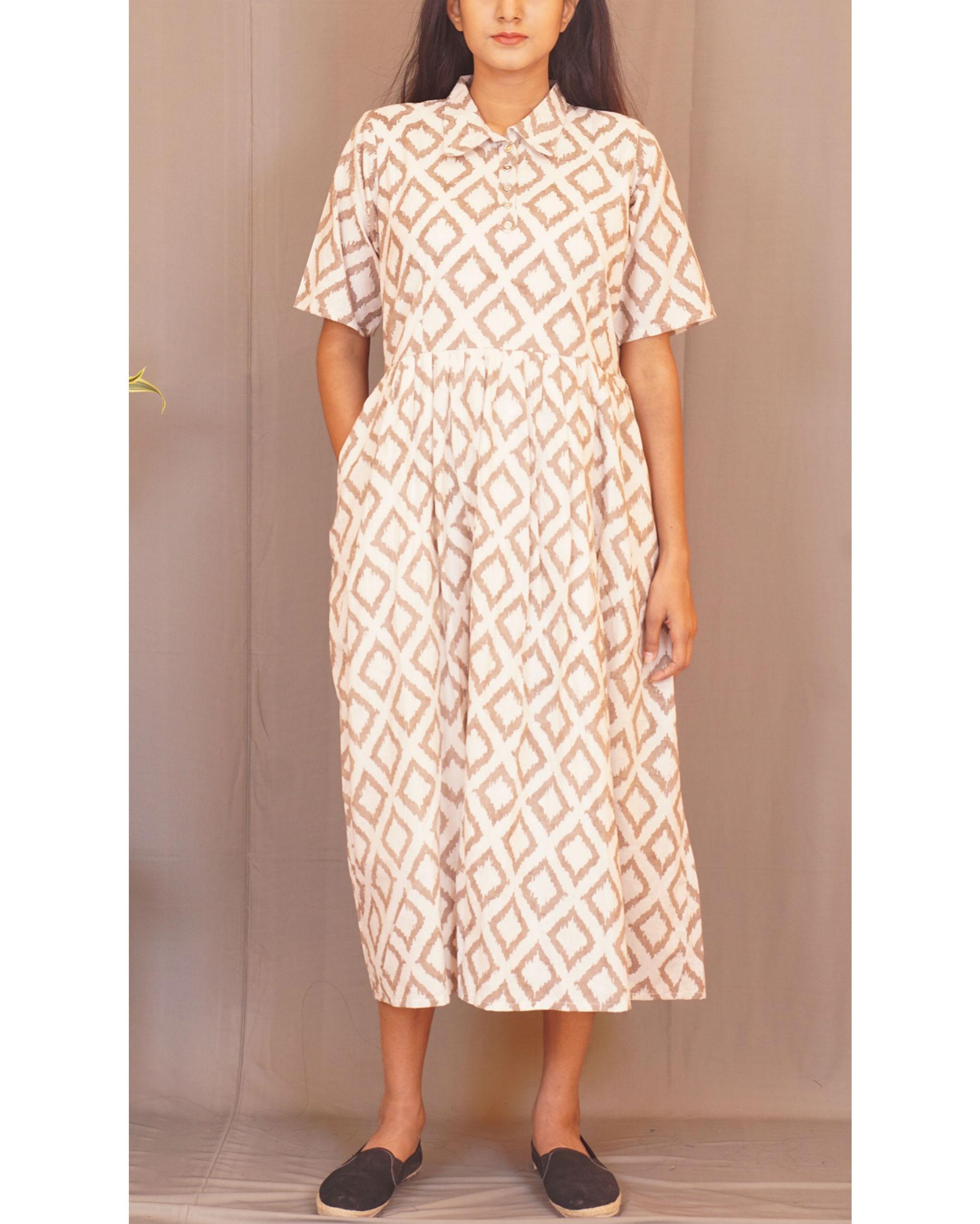 Beige rhombus print dress