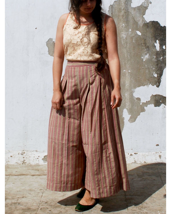 Striper box pleated pants