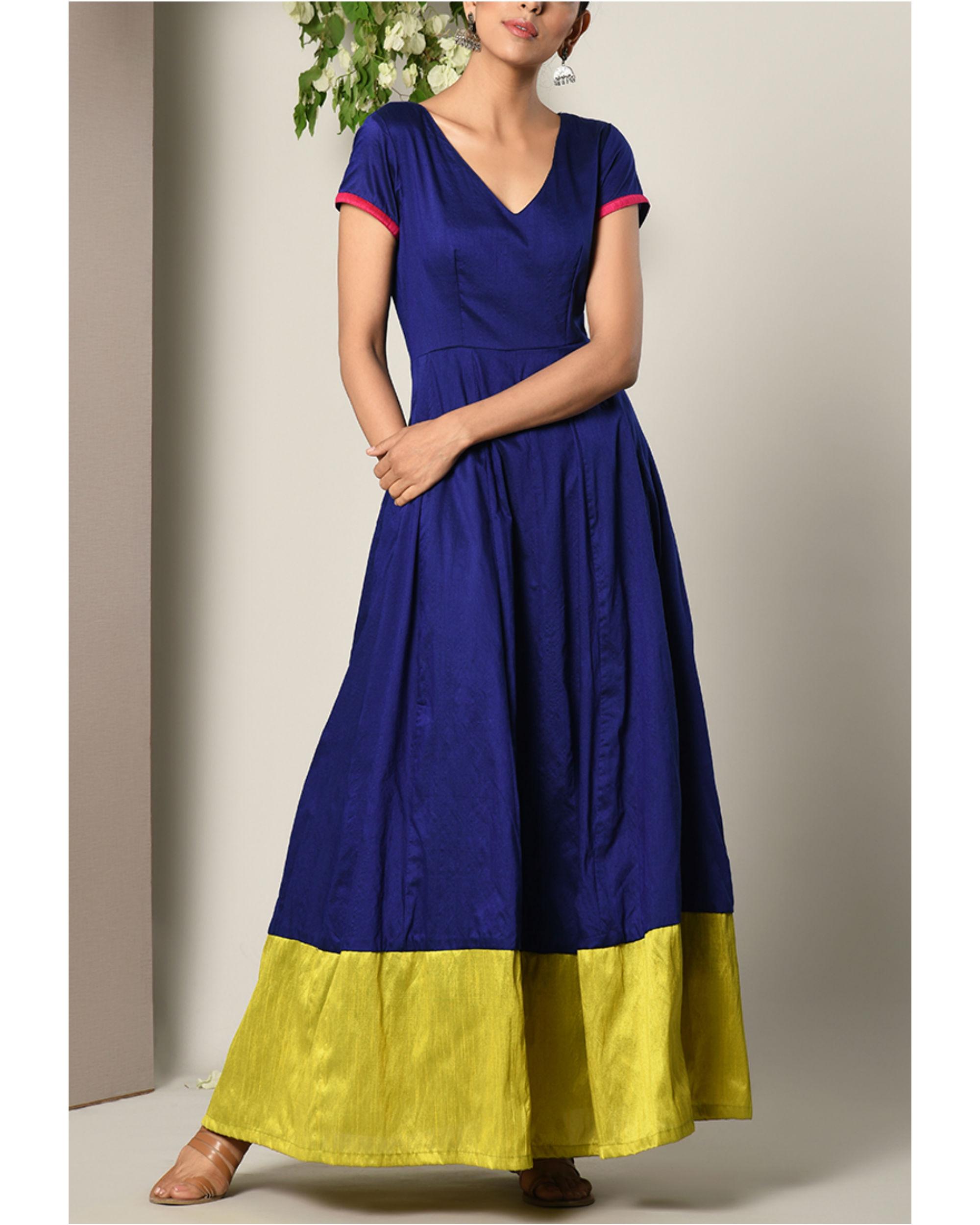 Blue panelled border dress