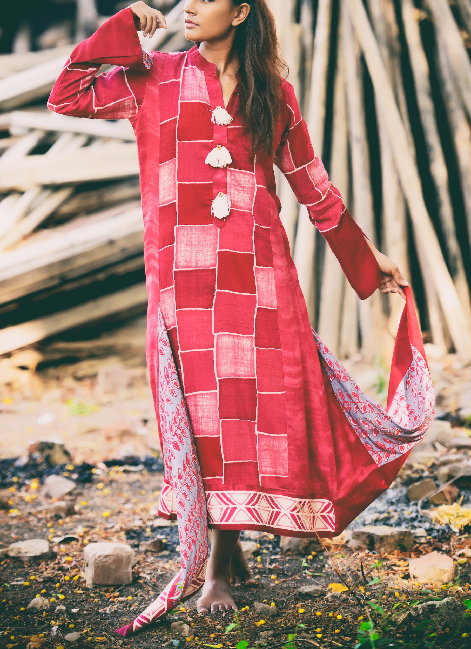 Scattered block front tasseled kurti