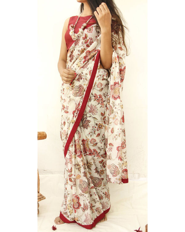 Rouge red and Off white mulmul sari