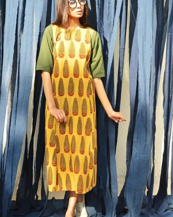 Mustard and seaweed tunic