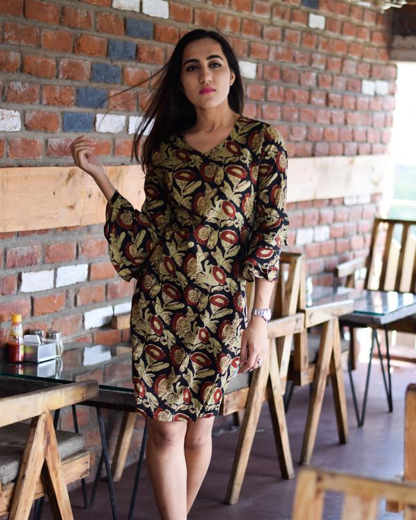 Brown florid bell sleeves short dress