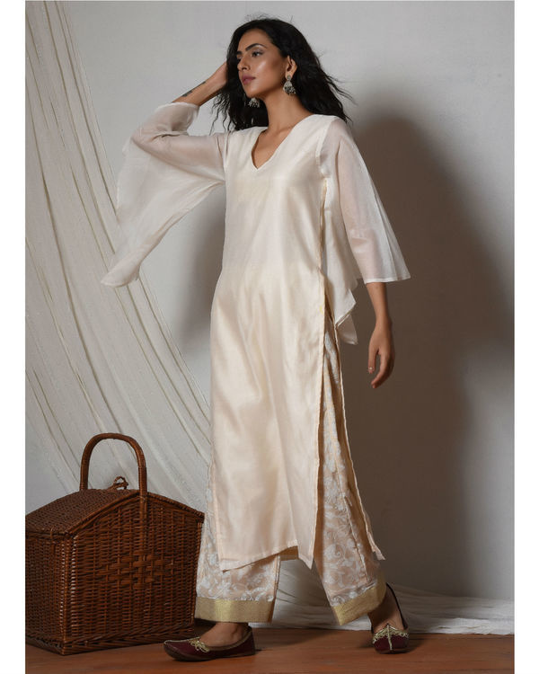 Ivory chanderi kurta with beige floral farshi pant