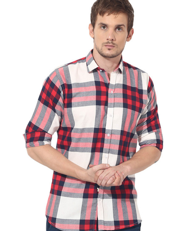 Red & white checks casual shirt