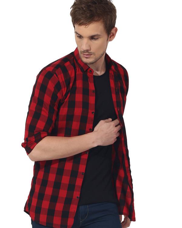 Red & black checks casual shirt