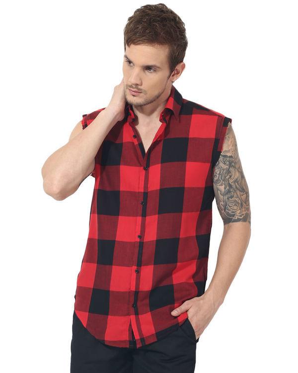Black & red checks sleeveless casual shirt