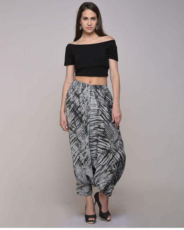 Black clamp dyed harem pant