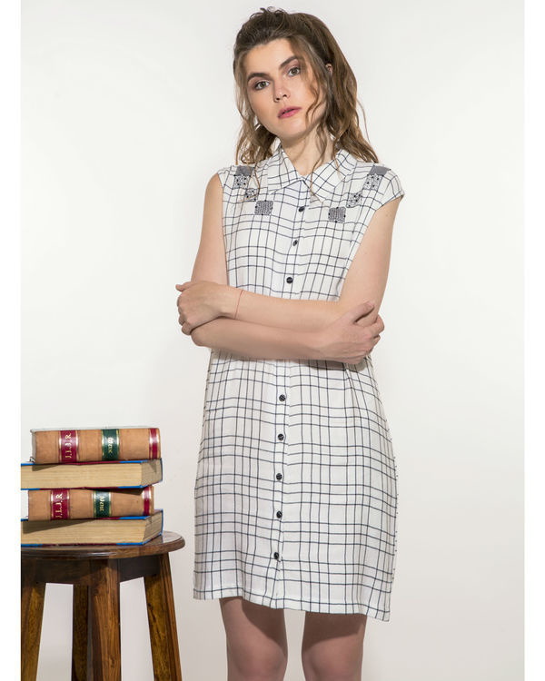 Checkered dress with pockets