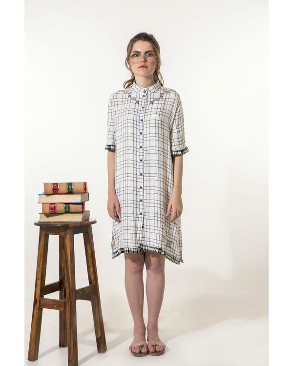 Checkered dress with mini-pleats