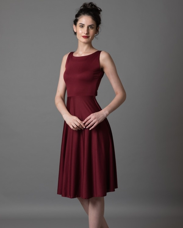 Large_put-a-spin_tie_back_dress3