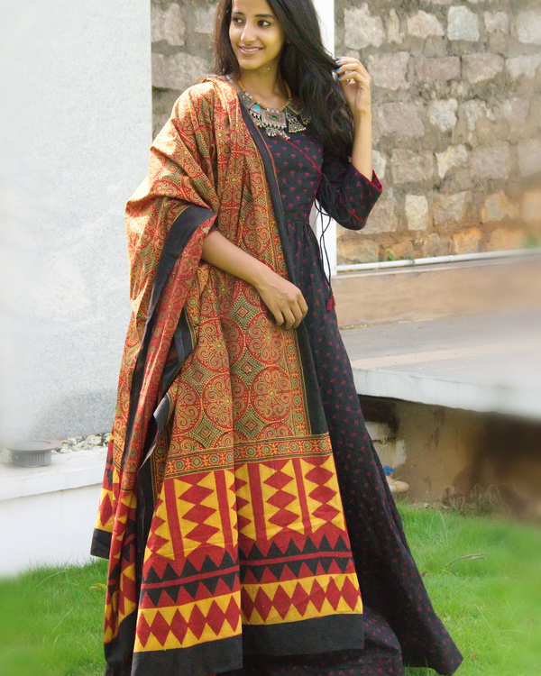 Black angrakha tunic with dupatta