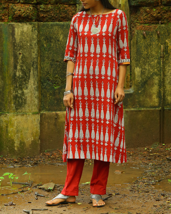 Red elegant bagh printed cotton kurta