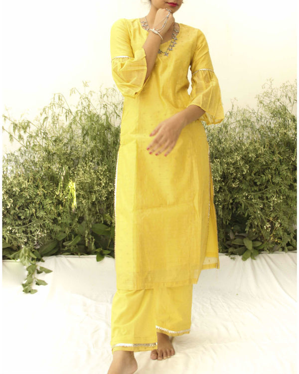 Yellow chanderi straight suit