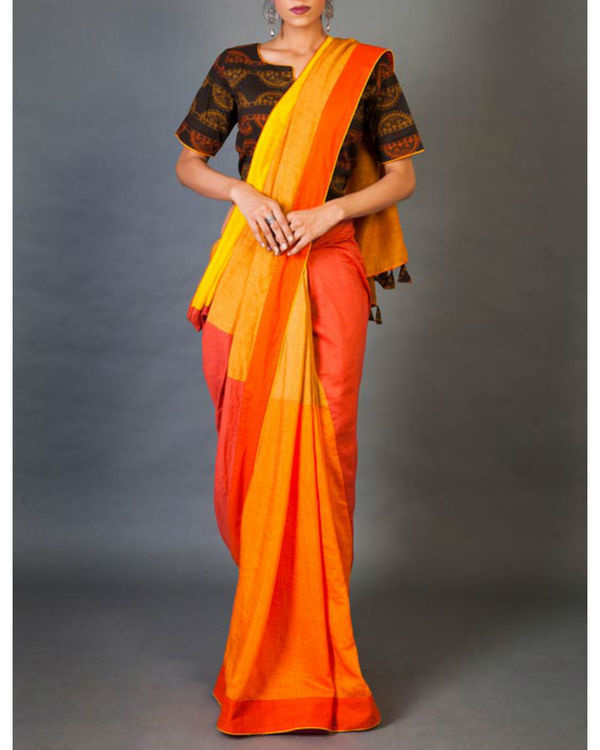 Shades of yellow sari