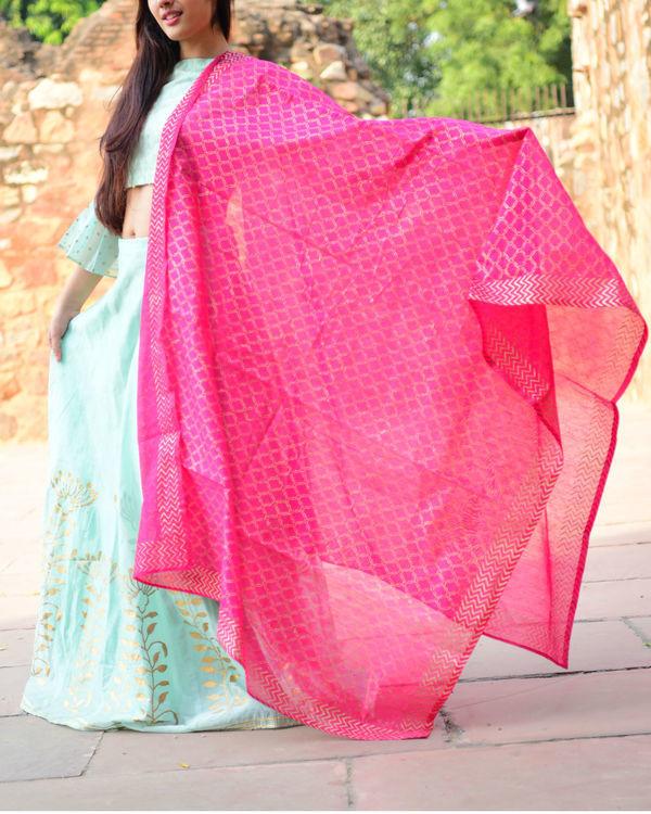 Pink mughal printed dupatta