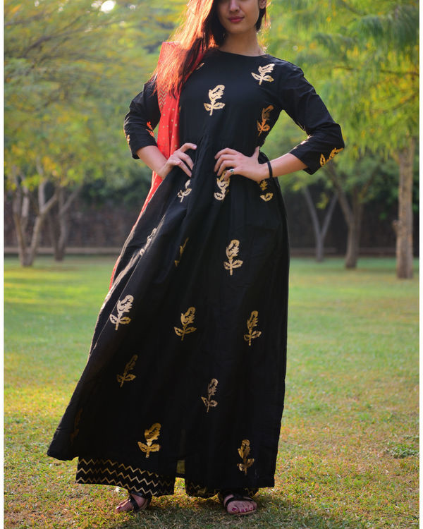 Black gold foil print salwaar set with dupatta