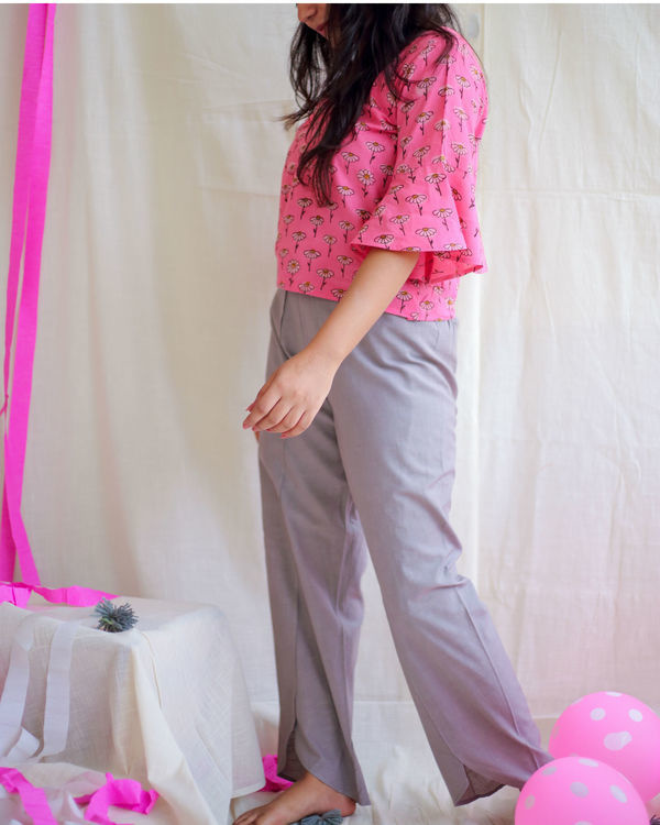 Bubblegum pink daisy bell sleeves top and grey pants