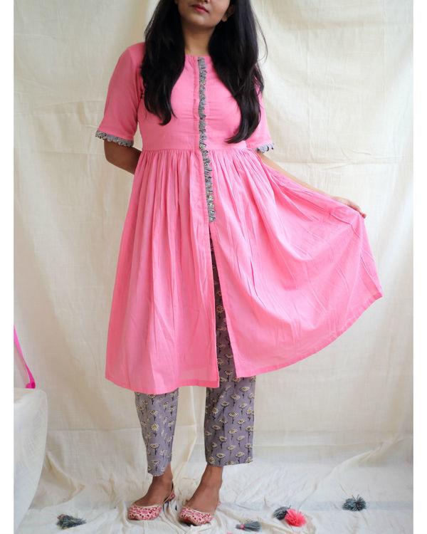 Bubblegum pink front slit kurta with daisy pants
