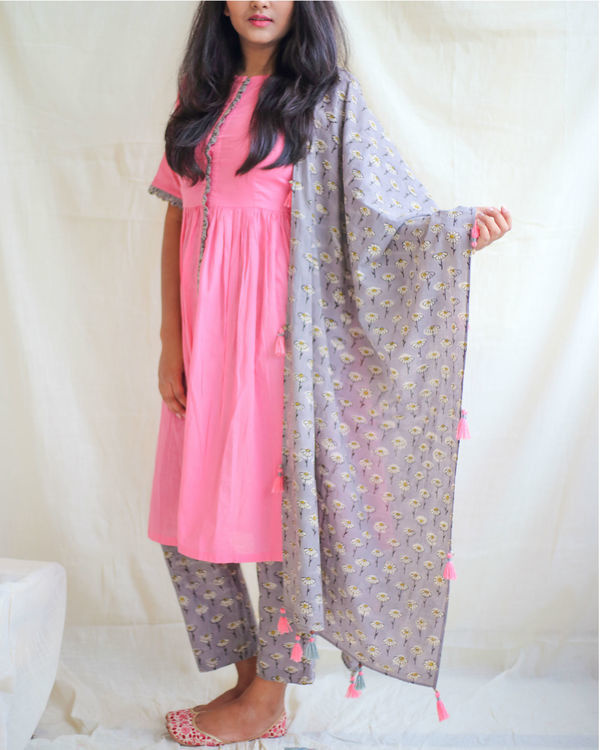 Bubblegum pink kurta with daisy pants and dupatta