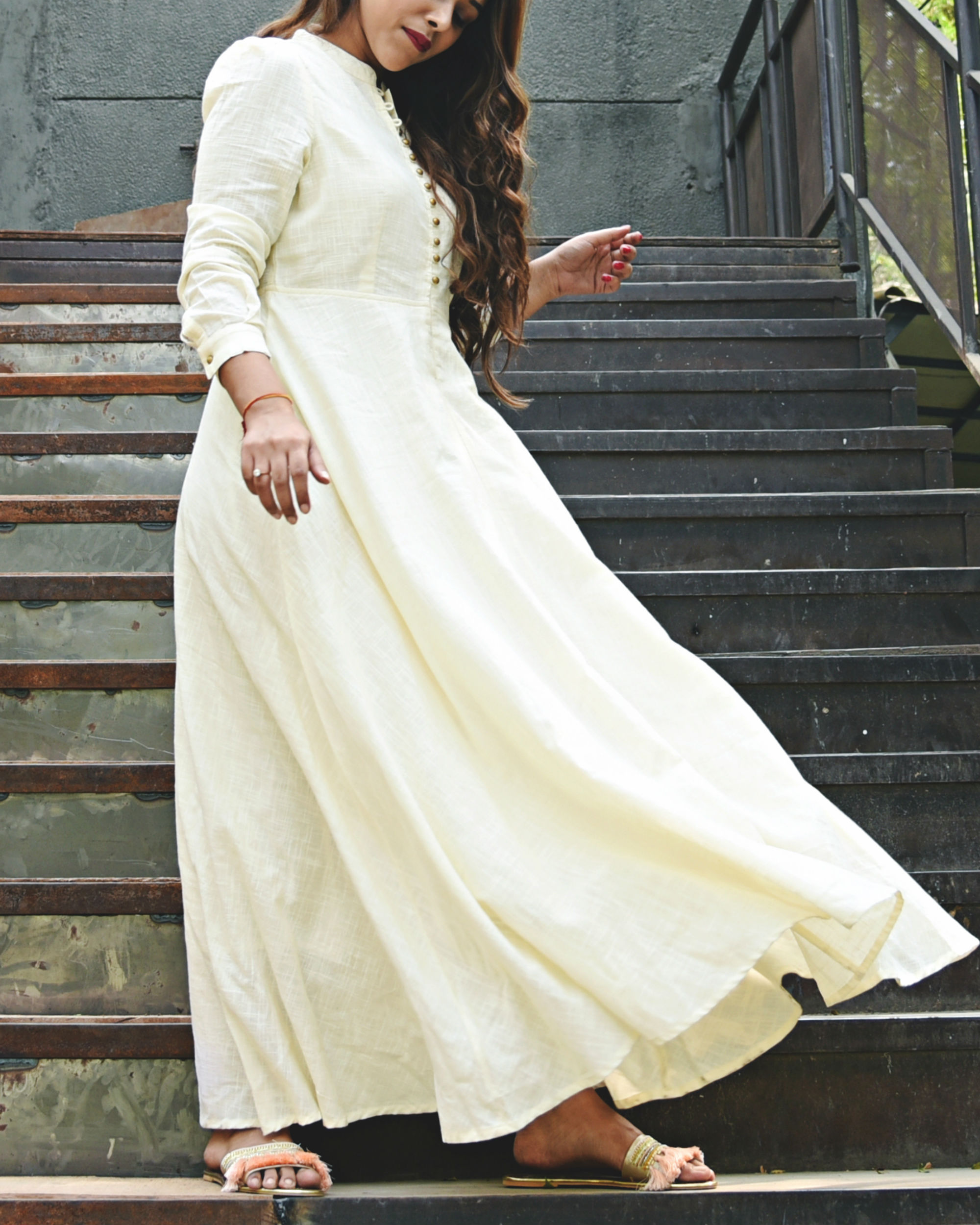 Long Flowing Off-white Maxi Dress