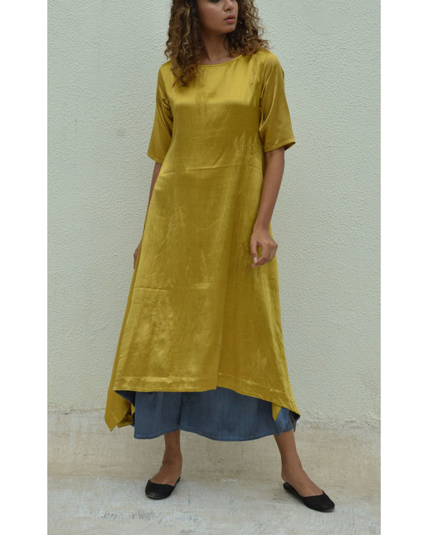 Golden leaf asymmetric hem tunic
