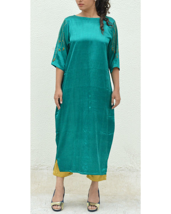 Green grapevine sleeve tunic