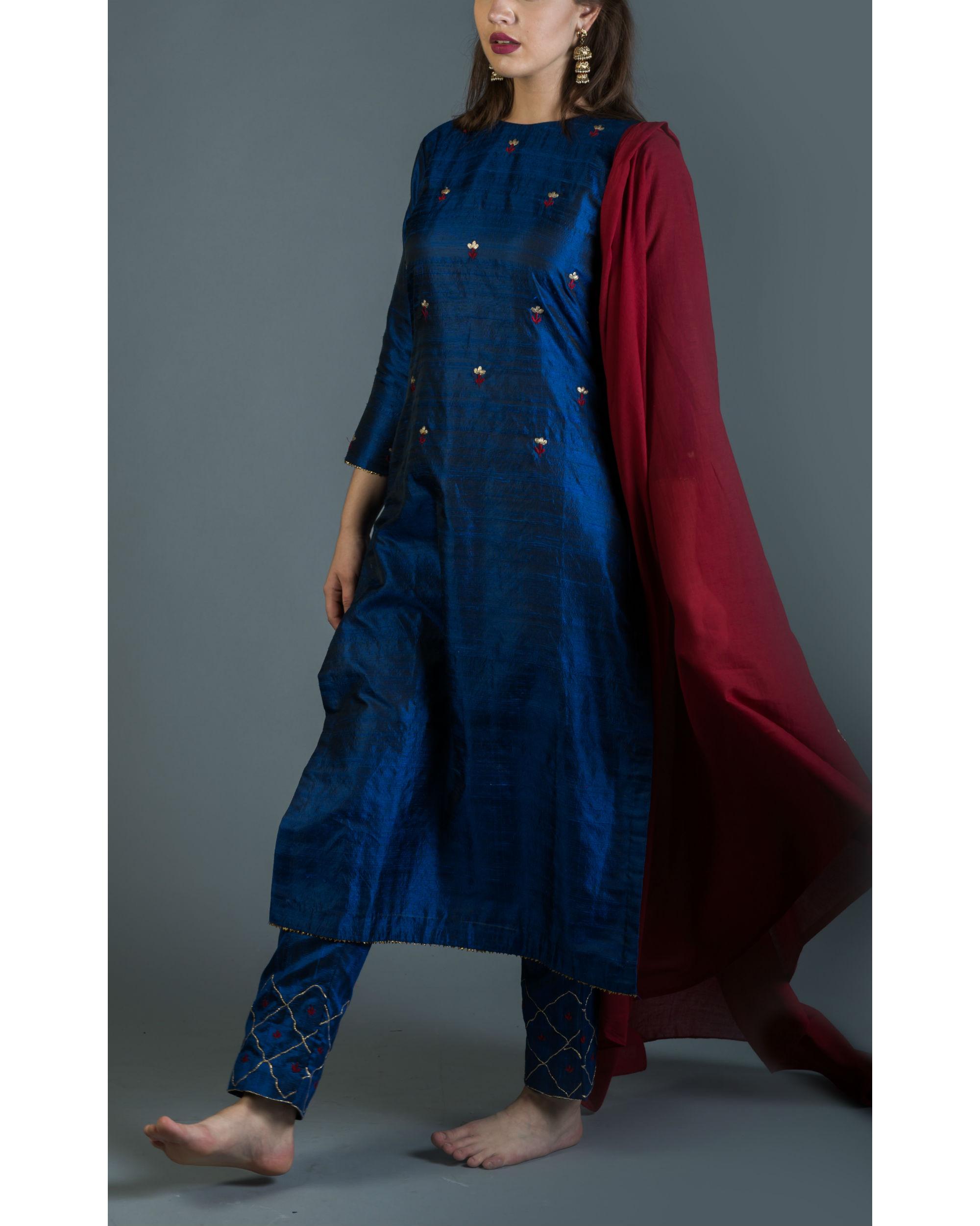 Sapphire embroidered kurta set with maroon dupatta