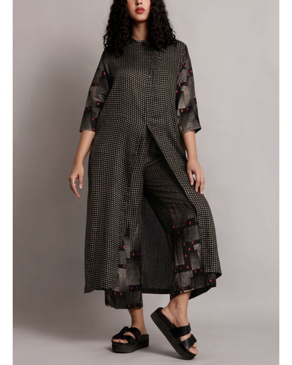 Black front slit kurta set