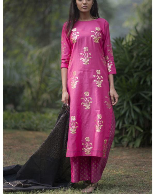 Rani pink gulmohar kurta set with dupatta