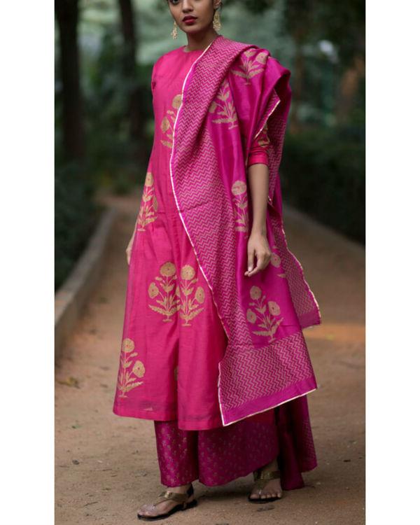 Pink hibiscus floral printed set with mughal printed dupatta