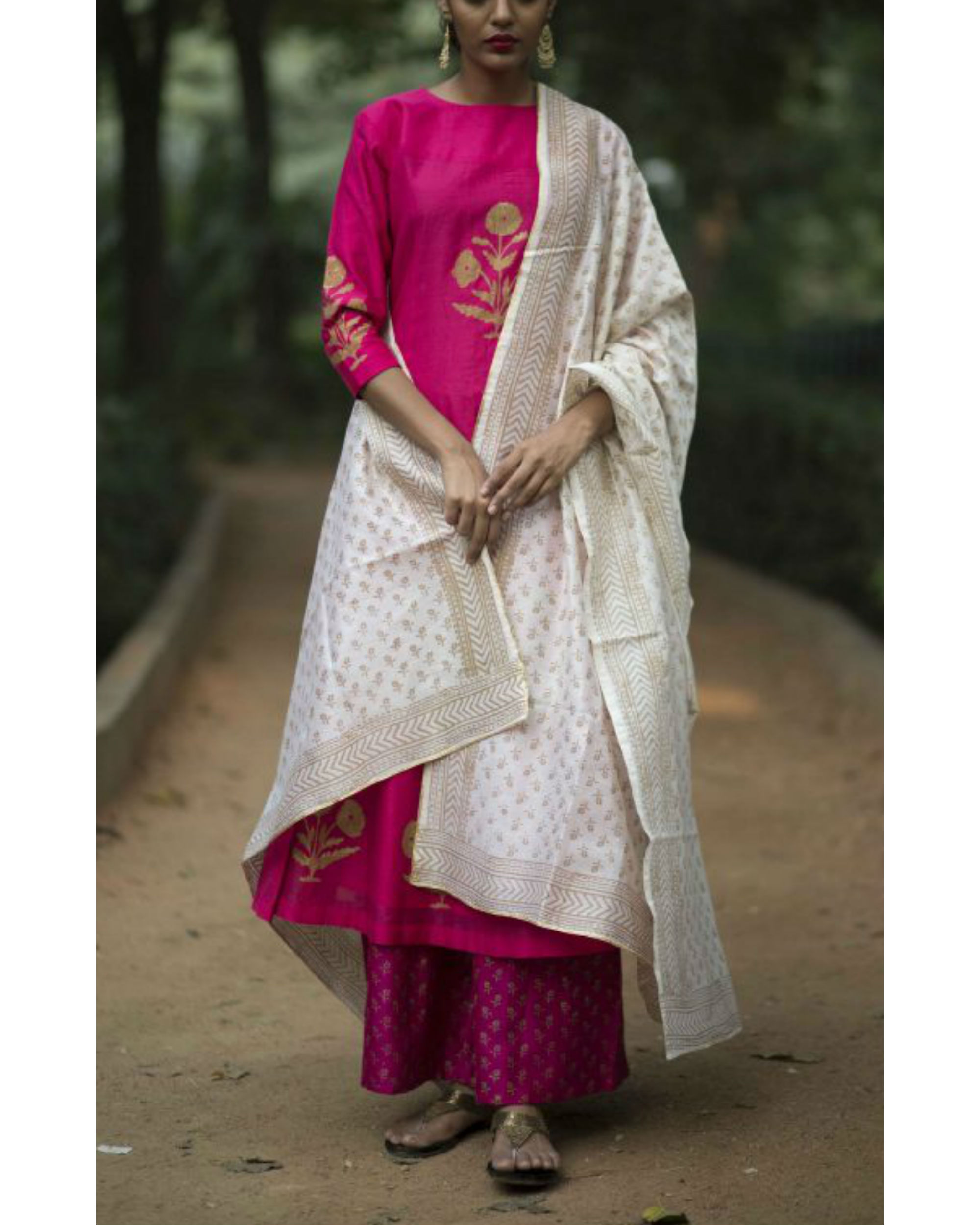 Pink hibiscus floral printed set with ivory block printed dupatta