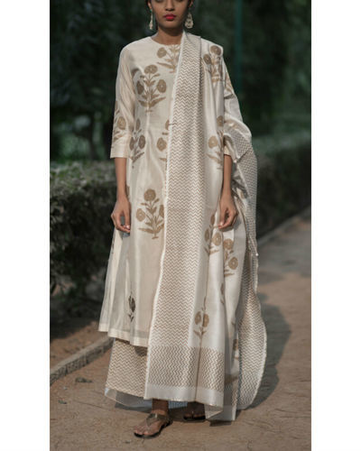 Chandaniya Phool Printed Kurta Set With Ivory Block Printed Dupatta
