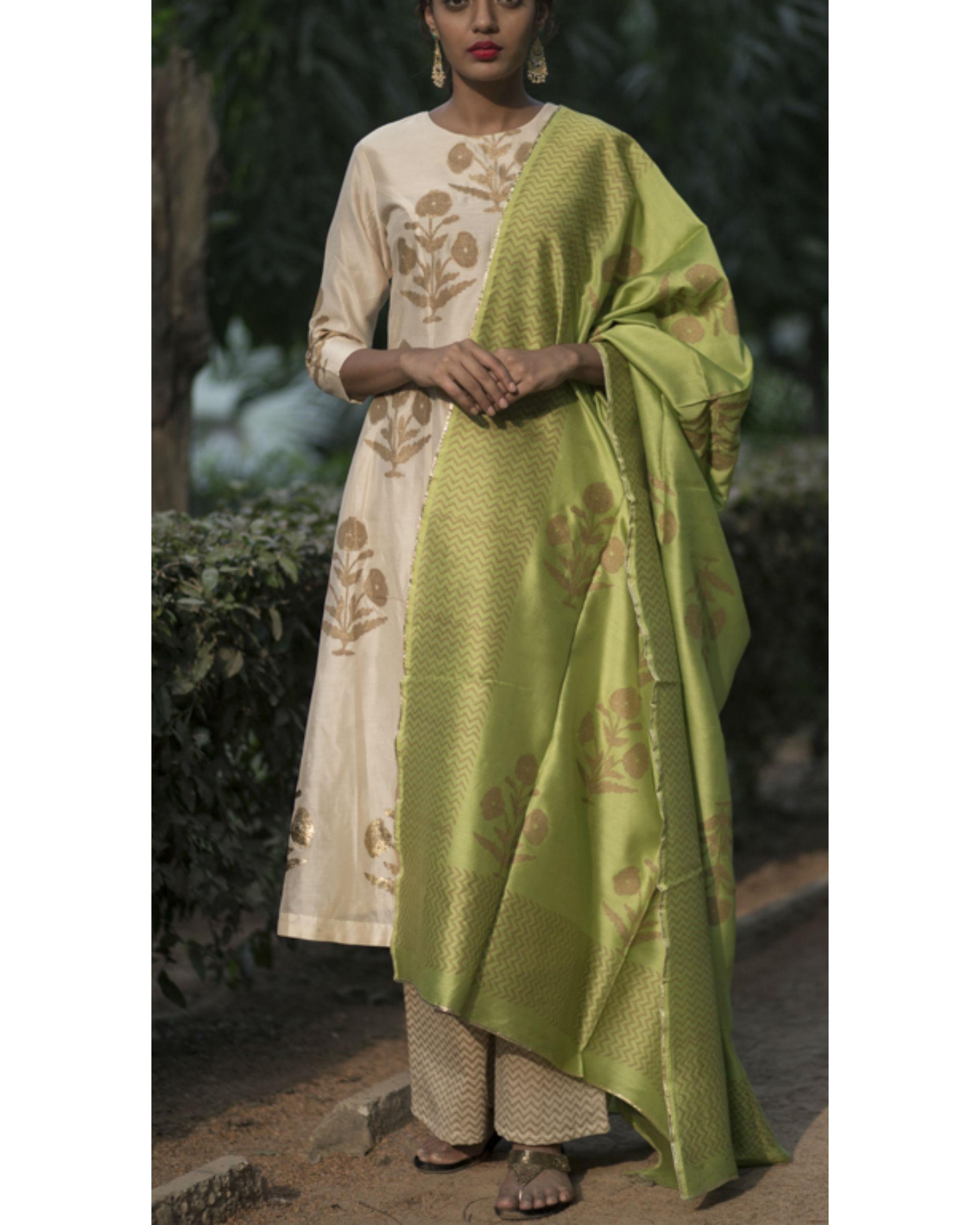Chandaniya phool printed kurta set with noori green block printed dupatta