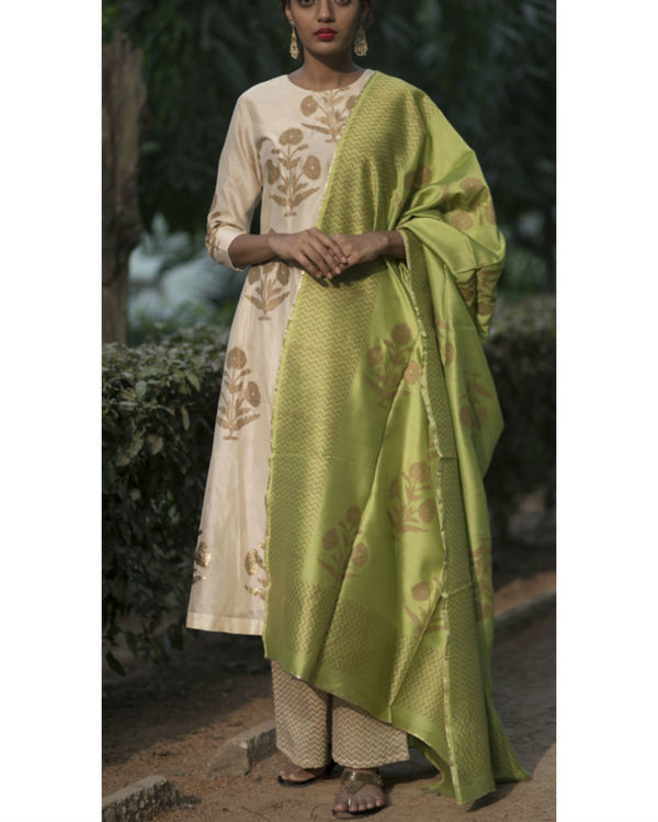 Chandaniya phool printed kurta set with noori green block printed dupatta