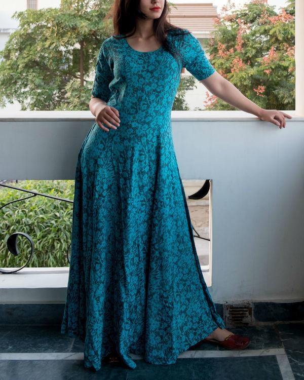 Flare blue cold shouldered dress