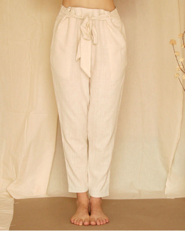 White waist tie up pants