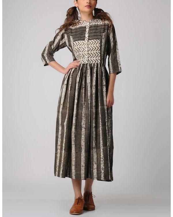 Pattern panelled dress