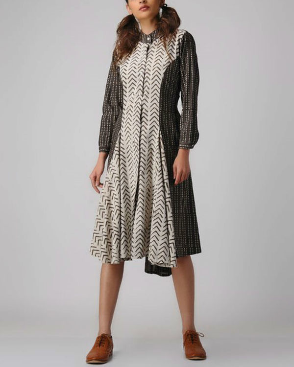 Mix and match collar dress