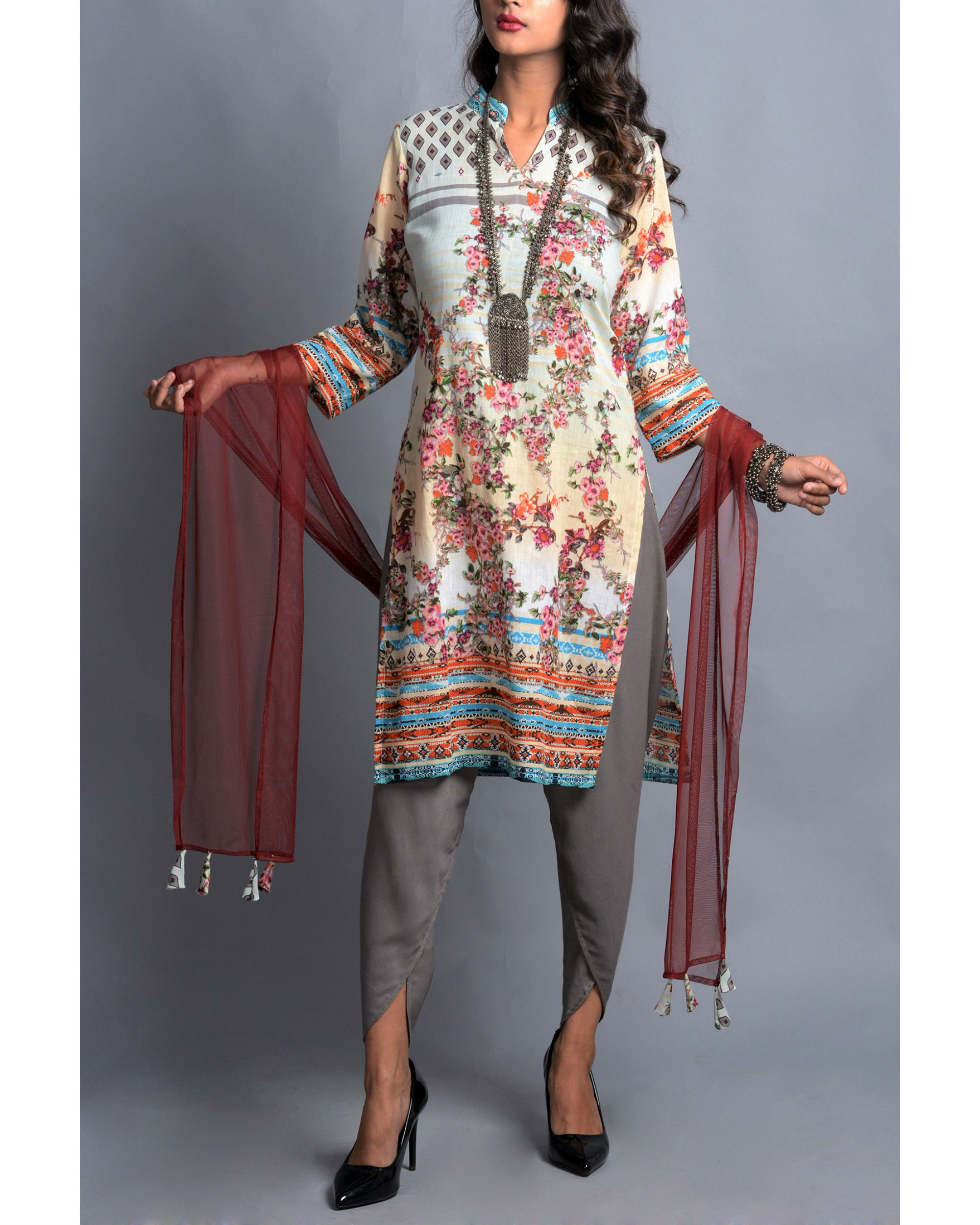 Moroccan floral kurta with dhoti and stole set