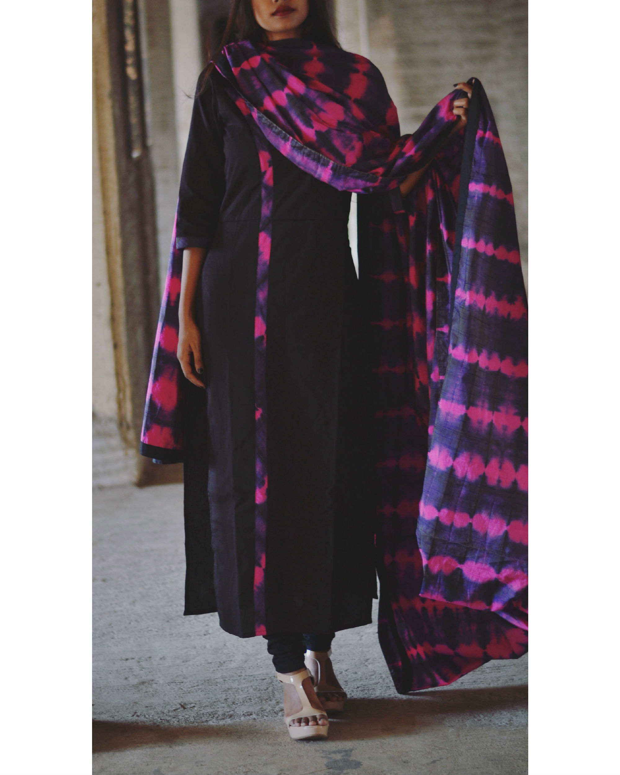 Magenta and violet tie and dye kurta and dupatta set