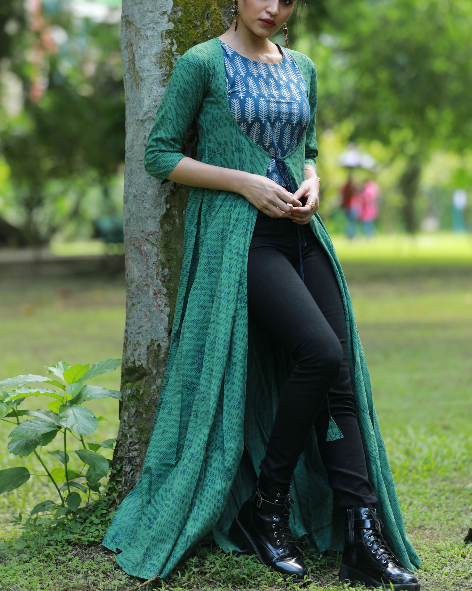 Blue crop top and green flared cape set