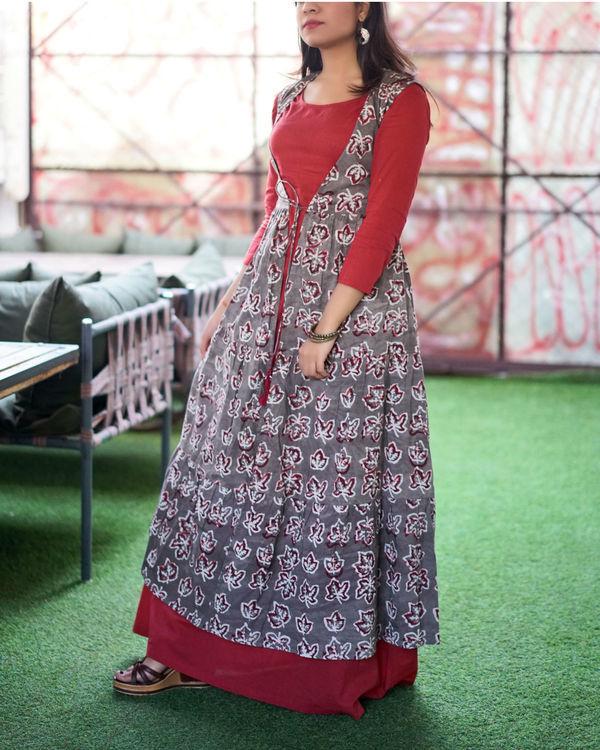 Round tier bagru print gown