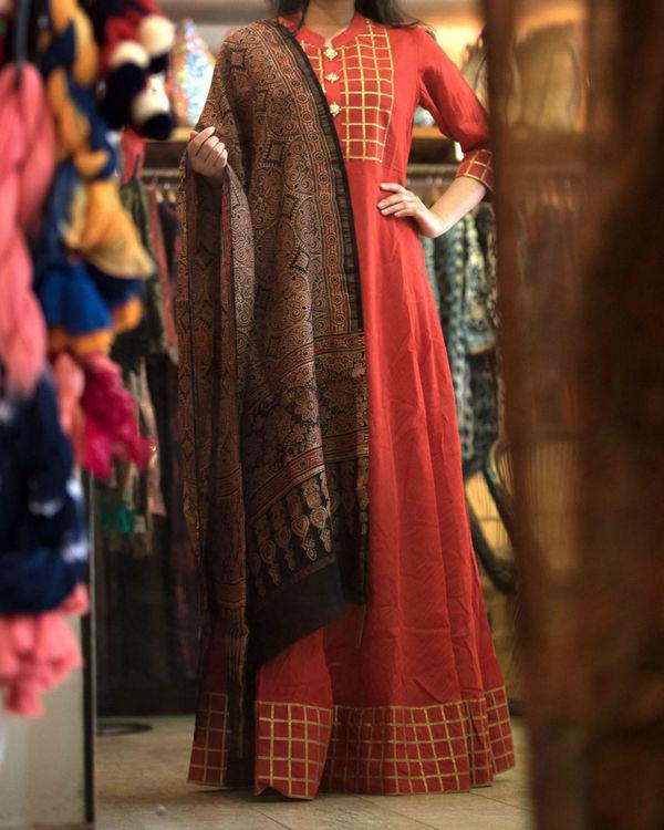 Maroon chanderi gown