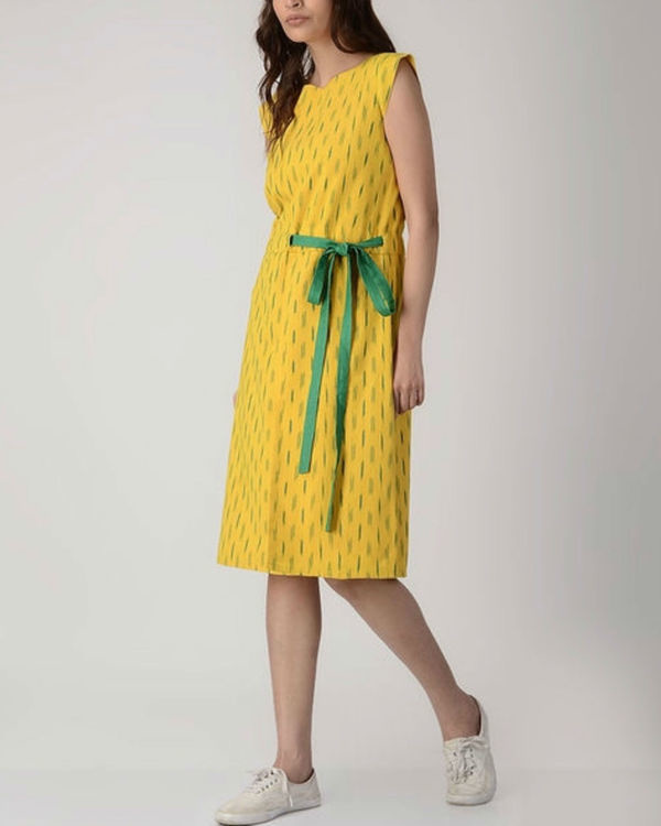 Yellow midi dress with tie-up belt